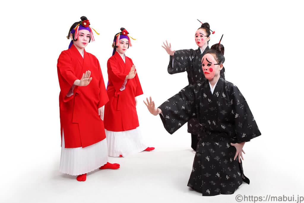醜童(しゅんどう)の舞踊写真